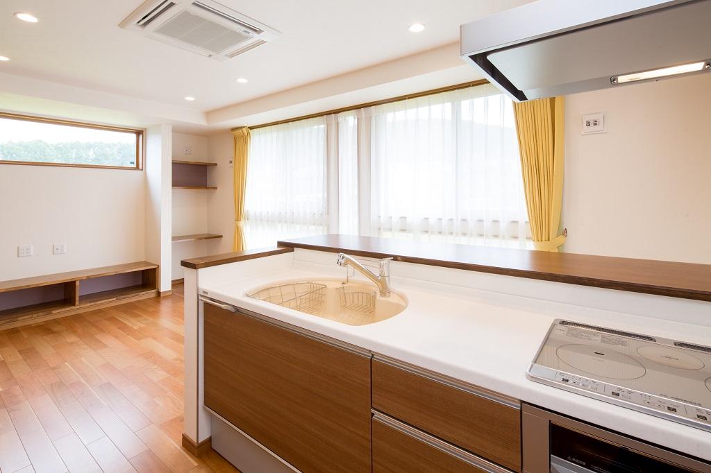 明るく、狭さを感じないキッチン