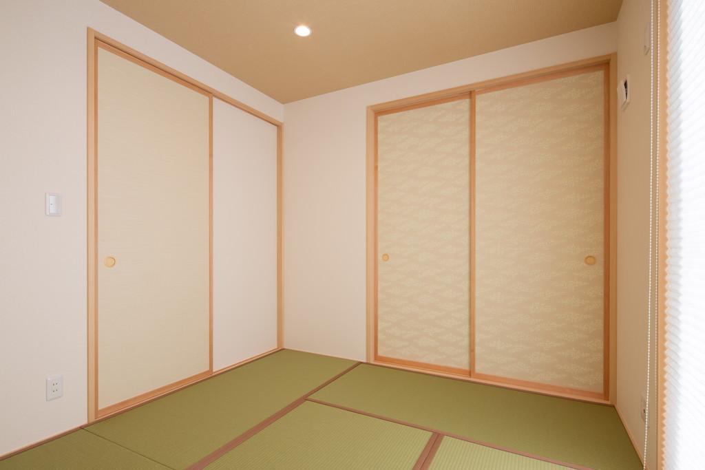 リビング横の和室はお子様のお昼寝スペースと客間を兼ねています。